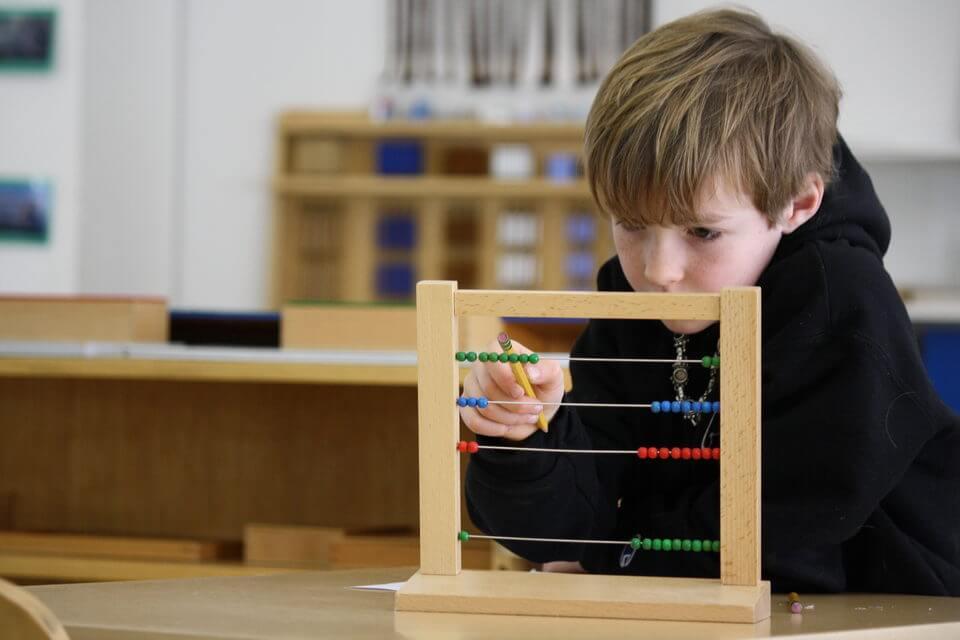 Formation-2e-Niveau-Boulier-Montessori